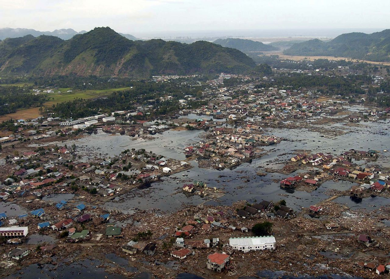 asian tsunami Thousands are still missing after indonesia's earthquake and tsunami, but rescue efforts are being called off.